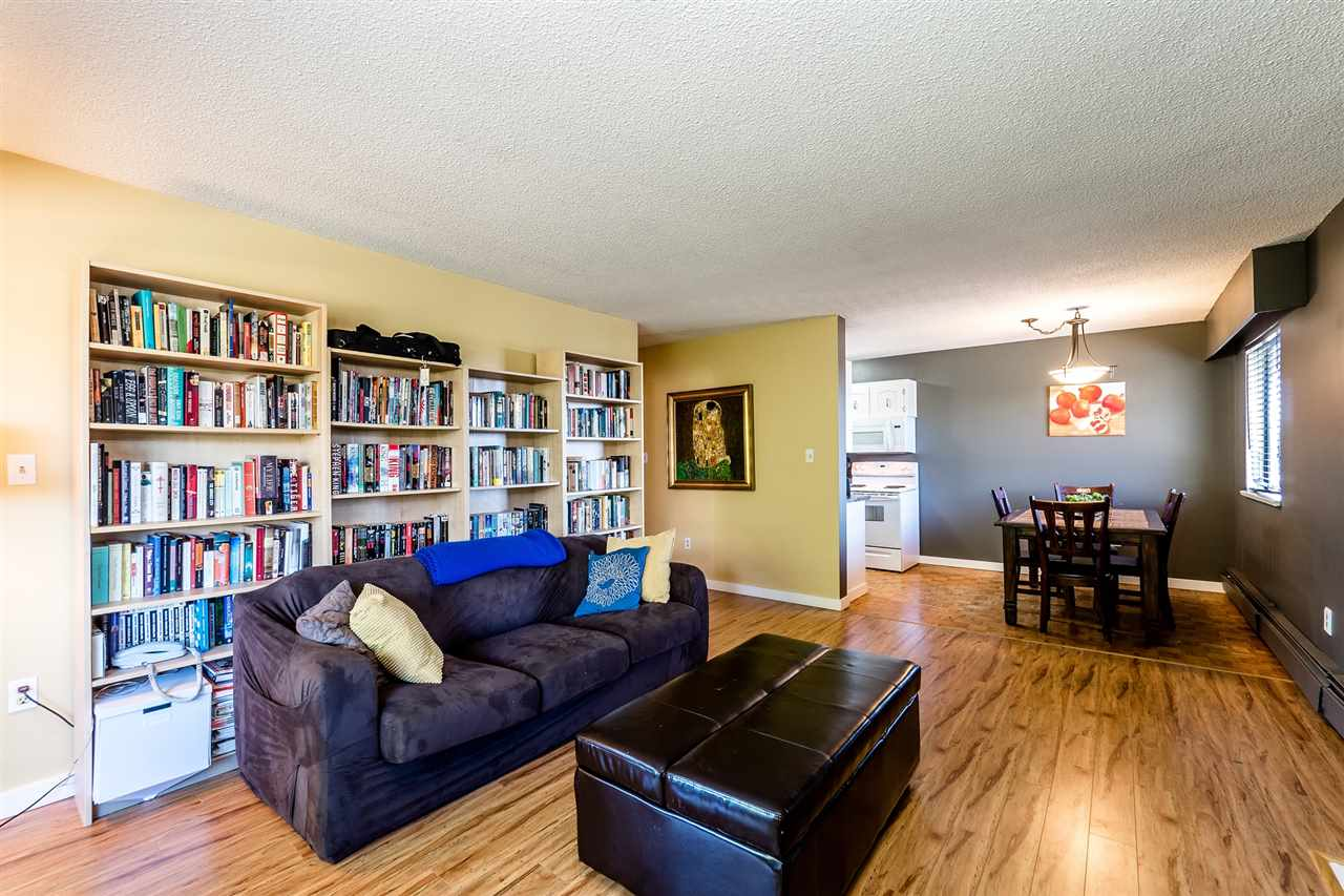 "Main Photo: 301 341 W 3RD Street in North Vancouver: Lower Lonsdale Condo for sale in ""Lisa Place"" : MLS(r) # R2180772"