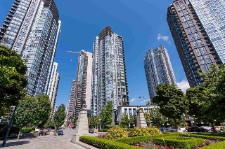 "Main Photo: 2701 1438 RICHARDS Street in Vancouver: Yaletown Condo for sale in ""AZURA 1"" (Vancouver West)  : MLS(r) # R2187303"