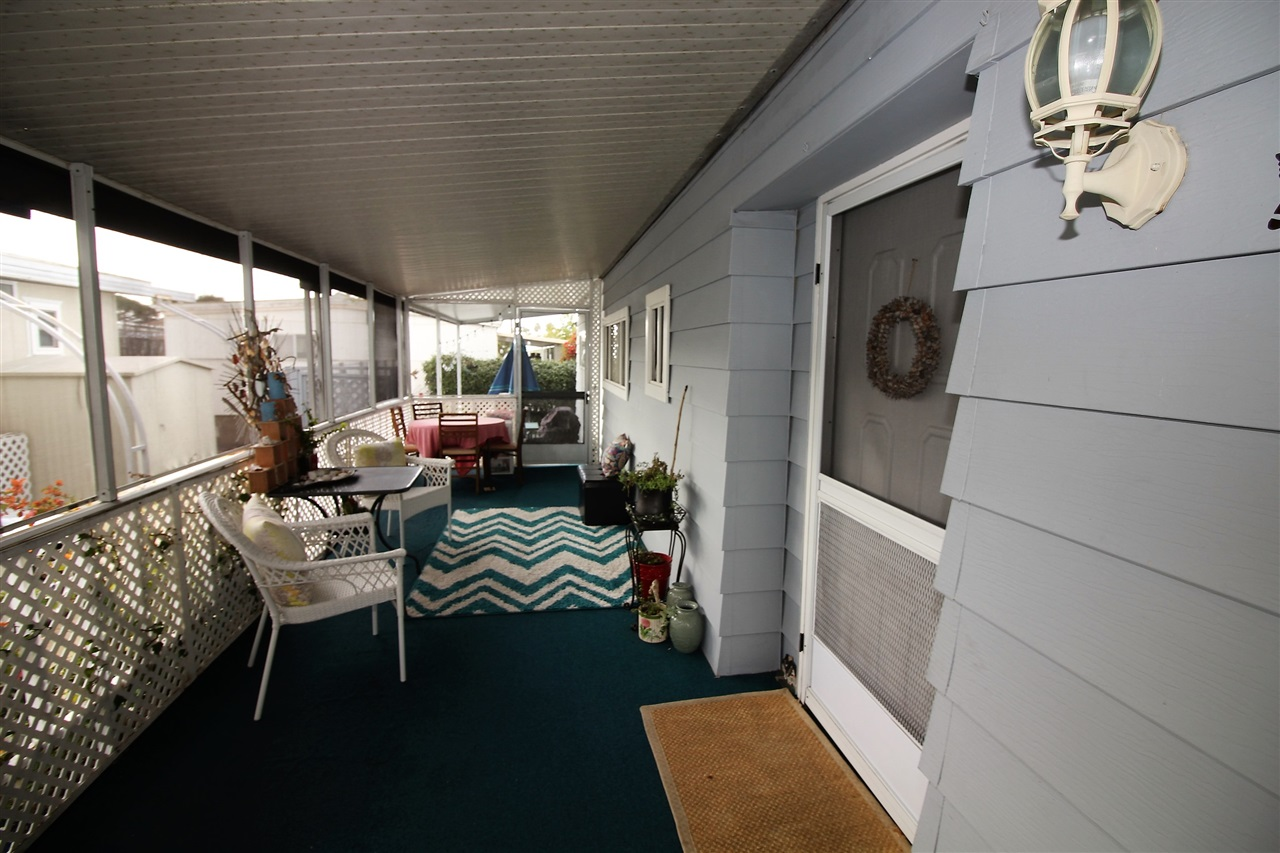 Photo 3: CARLSBAD WEST Manufactured Home for sale : 2 bedrooms : 7021 San Bartolo #40 in Carlsbad