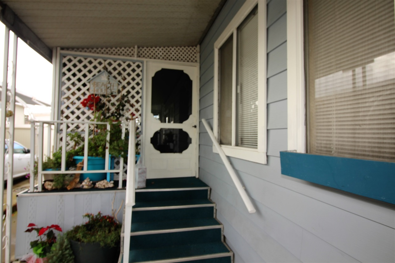 Photo 2: CARLSBAD WEST Manufactured Home for sale : 2 bedrooms : 7021 San Bartolo #40 in Carlsbad