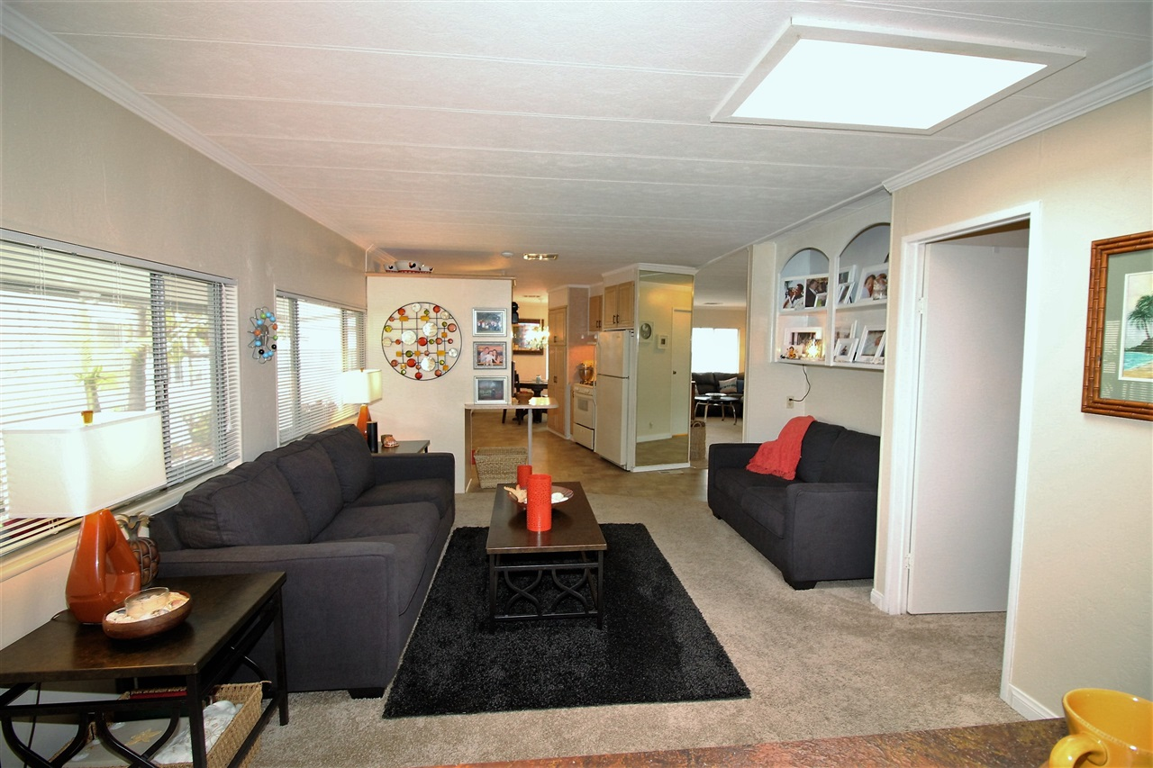 Photo 11: CARLSBAD WEST Manufactured Home for sale : 2 bedrooms : 7021 San Bartolo #40 in Carlsbad