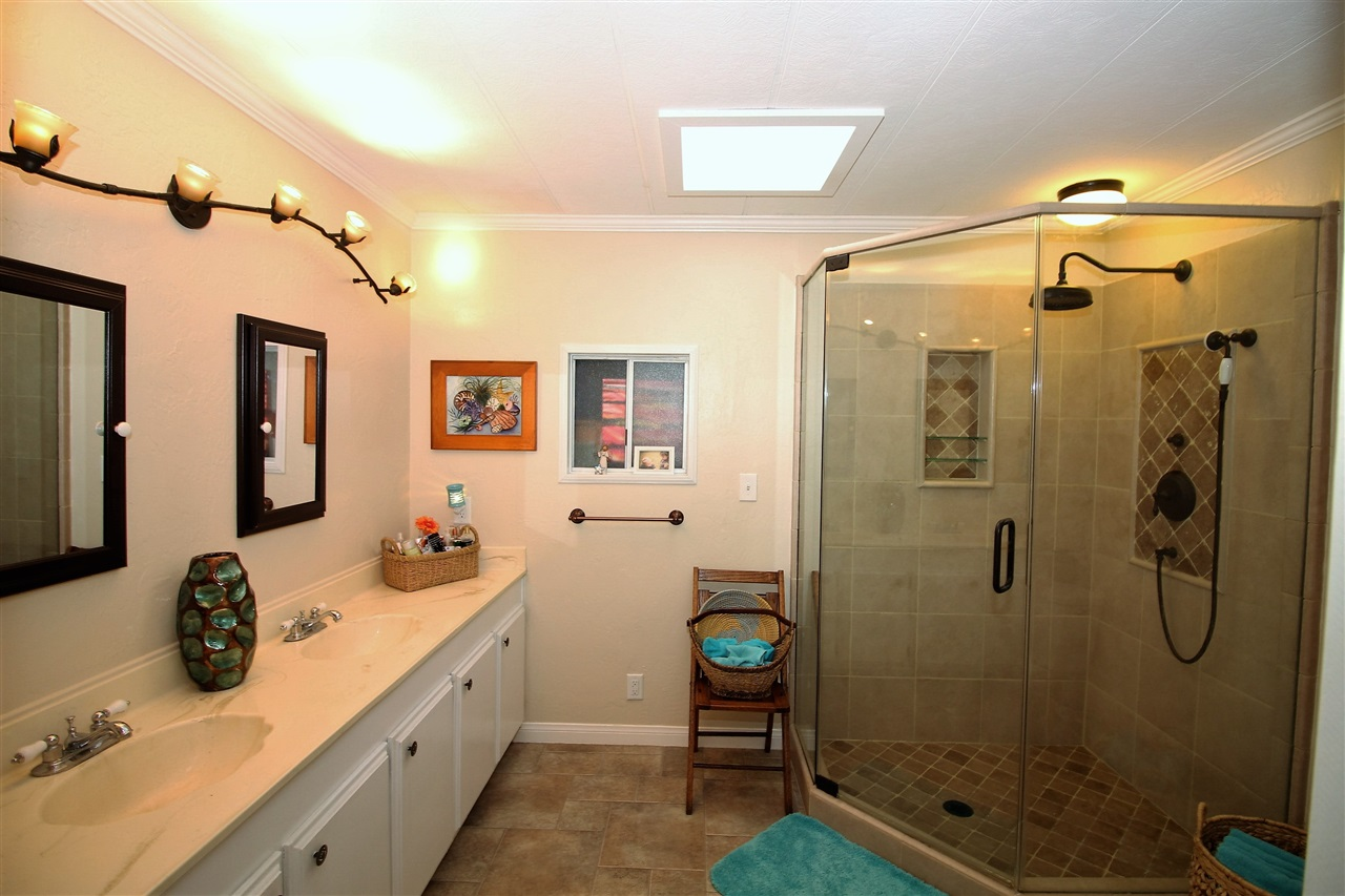 Photo 14: CARLSBAD WEST Manufactured Home for sale : 2 bedrooms : 7021 San Bartolo #40 in Carlsbad