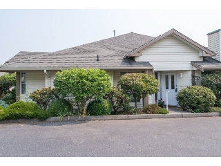 Main Photo: 36 6140 192 Street in Surrey: Cloverdale BC Townhouse for sale (Cloverdale)  : MLS® # R2195328