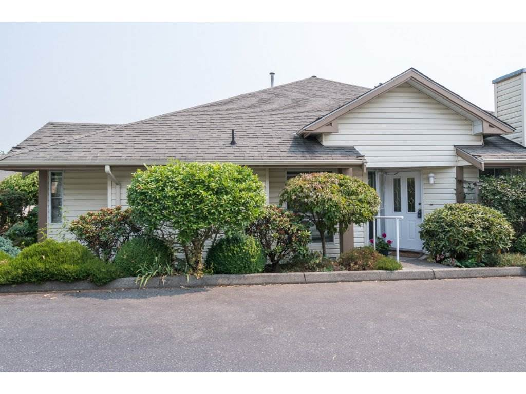 Main Photo: 36 6140 192 Street in Surrey: Cloverdale BC Townhouse for sale (Cloverdale)  : MLS®# R2195328