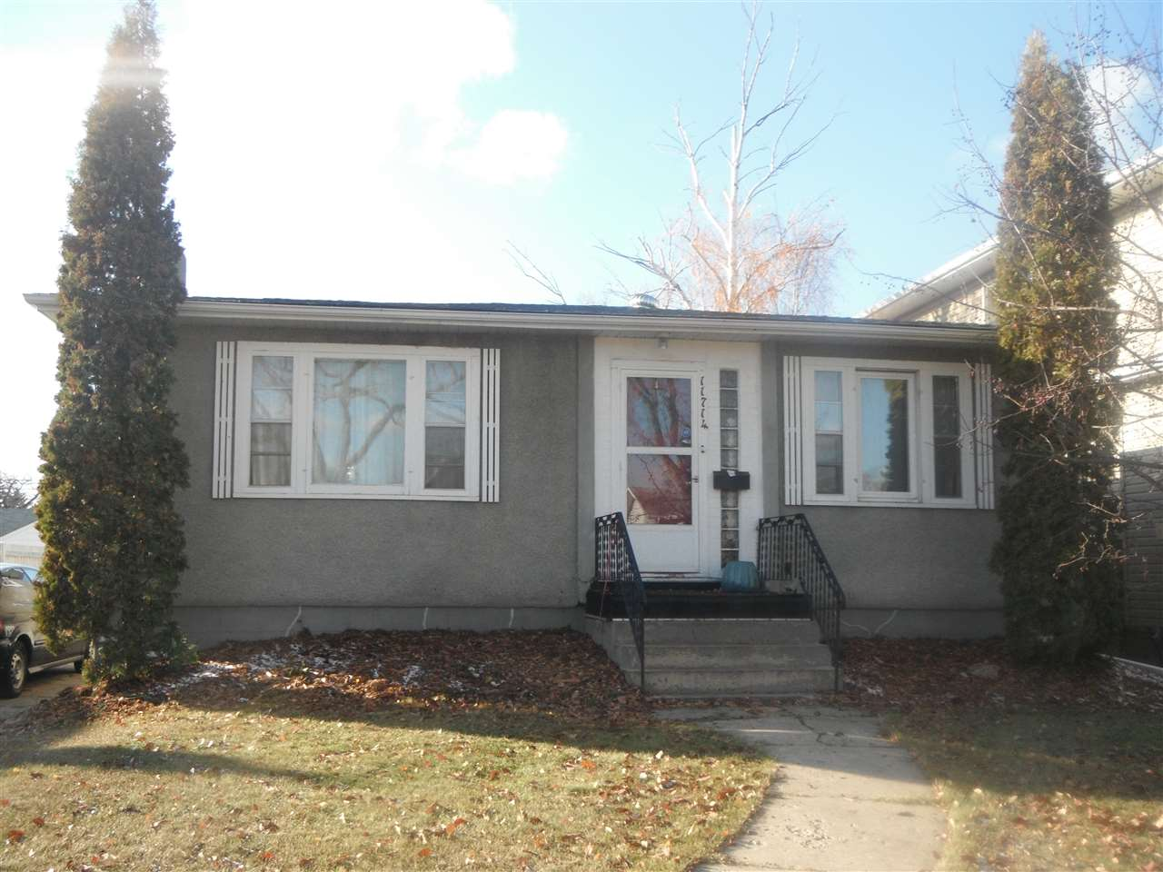 Main Photo: 11714 126 Street in Edmonton: Zone 07 House for sale : MLS® # E4079085