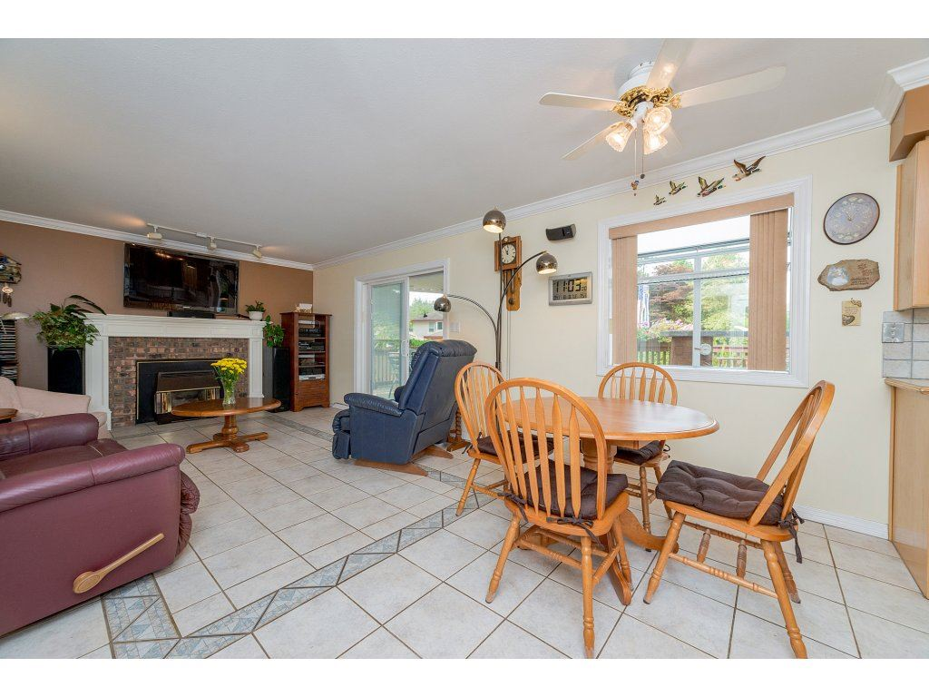 Photo 10: 3427 199 STREET in Langley: Brookswood Langley House for sale : MLS® # R2194877