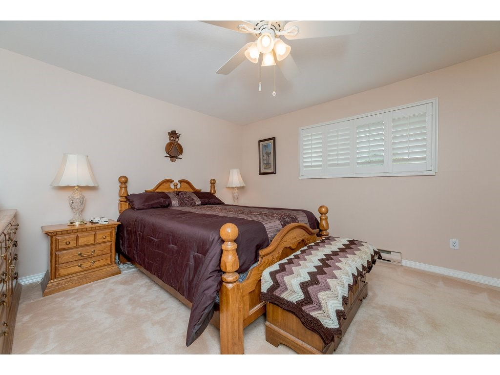 Photo 13: 3427 199 STREET in Langley: Brookswood Langley House for sale : MLS® # R2194877