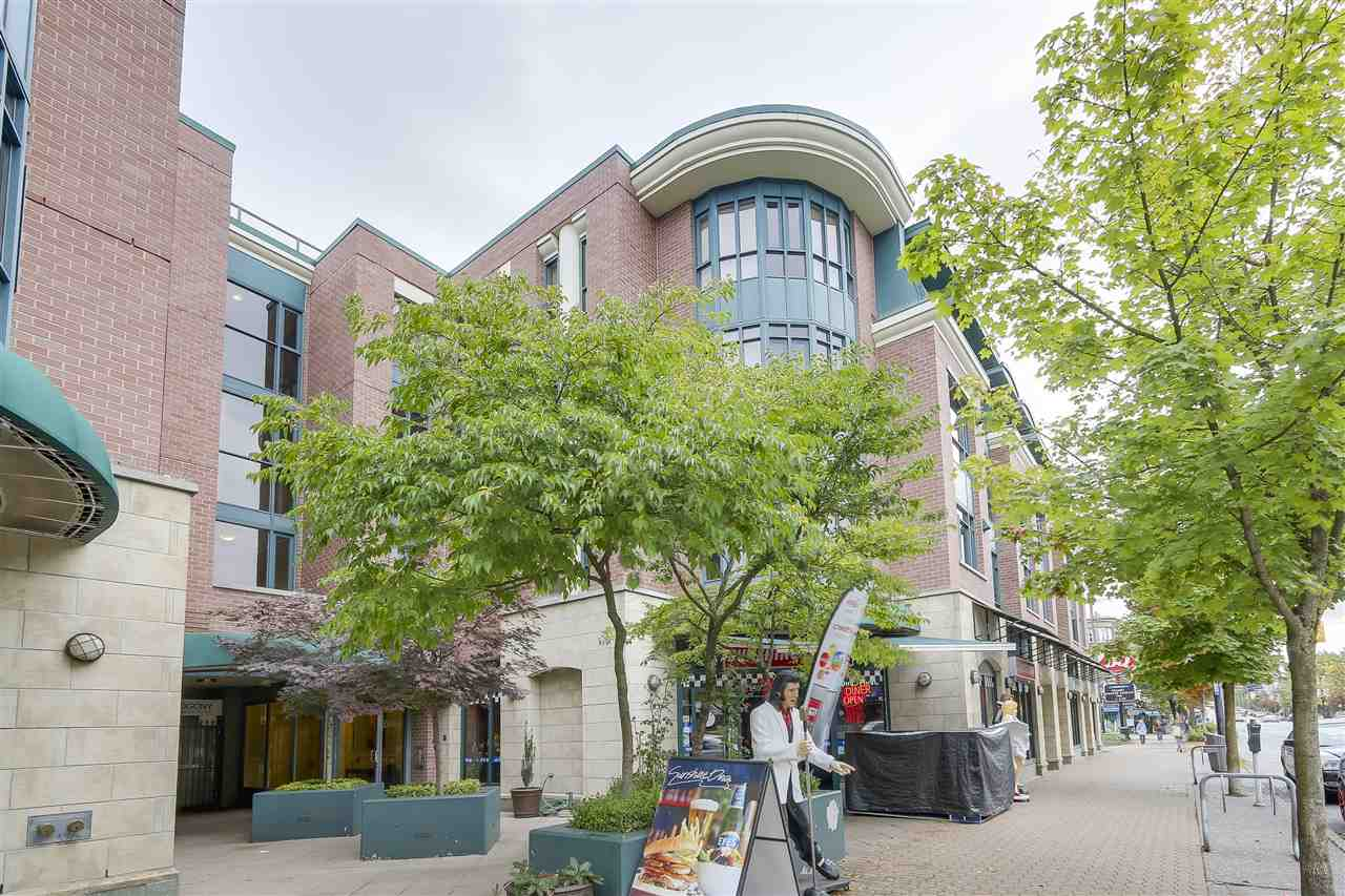 Main Photo: 212 2665 W BROADWAY in Vancouver: Kitsilano Condo for sale (Vancouver West)  : MLS® # R2209718