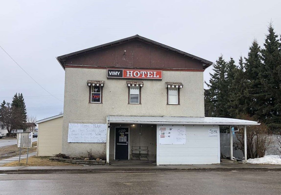 Main Photo: 5001 50 Avenue: Vimy Business with Property for sale : MLS®# E4087039