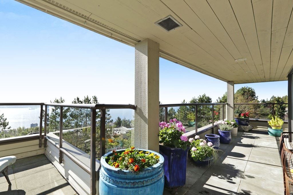 "Main Photo: 20 2236 FOLKESTONE Way in West Vancouver: Panorama Village Condo for sale in ""PANORAMA GARDENS & VILLAGE"" : MLS® # R2223083"
