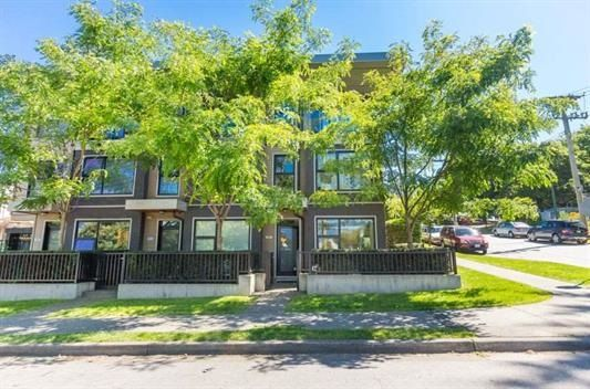 "Main Photo: 1002 E 7TH Avenue in Vancouver: Mount Pleasant VE Townhouse for sale in ""7 & W"" (Vancouver East)  : MLS®# R2239362"