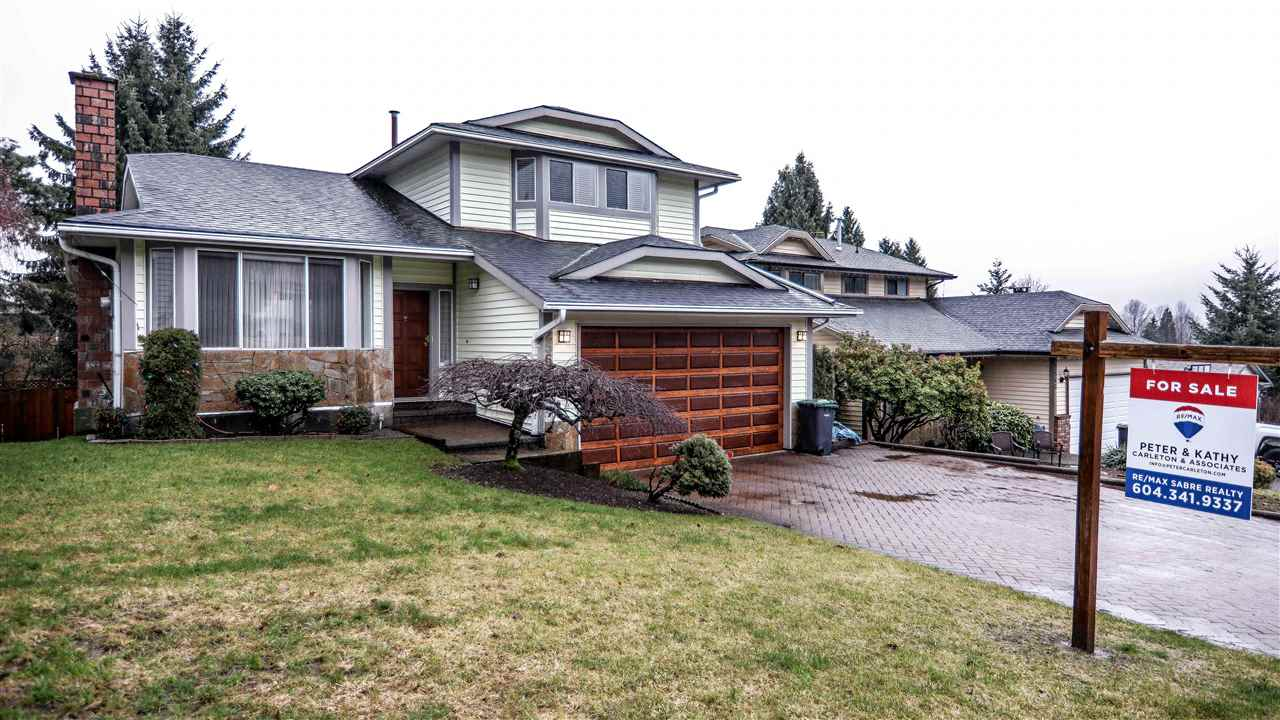 Main Photo: 2562 TRILLIUM Place in Coquitlam: Summitt View House for sale : MLS®# R2243886