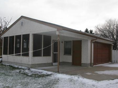 Photo 11: Photos: 947 LOUELDA Street in Winnipeg: Residential for sale (Valley Gardens)  : MLS® # 1122769