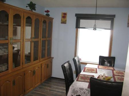 Photo 4: Photos: 947 LOUELDA Street in Winnipeg: Residential for sale (Valley Gardens)  : MLS® # 1122769