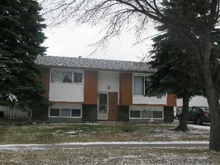 Photo 1: Photos: 947 LOUELDA Street in Winnipeg: Residential for sale (Valley Gardens)  : MLS® # 1122769