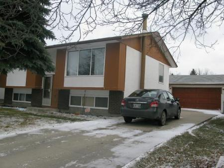 Photo 2: Photos: 947 LOUELDA Street in Winnipeg: Residential for sale (Valley Gardens)  : MLS® # 1122769