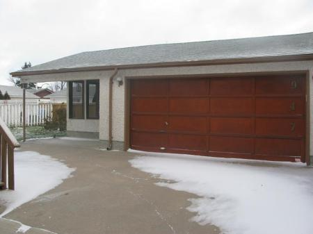 Photo 10: Photos: 947 LOUELDA Street in Winnipeg: Residential for sale (Valley Gardens)  : MLS® # 1122769