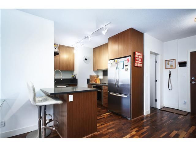 "Main Photo: 206 251 E 7TH Avenue in Vancouver: Mount Pleasant VE Condo for sale in ""DISTRICT"" (Vancouver East)  : MLS(r) # V1032275"