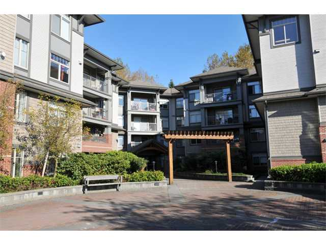 "Main Photo: 305 12020 207A Street in Maple Ridge: Northwest Maple Ridge Condo for sale in ""WESTBROOKE"" : MLS® # V1033975"