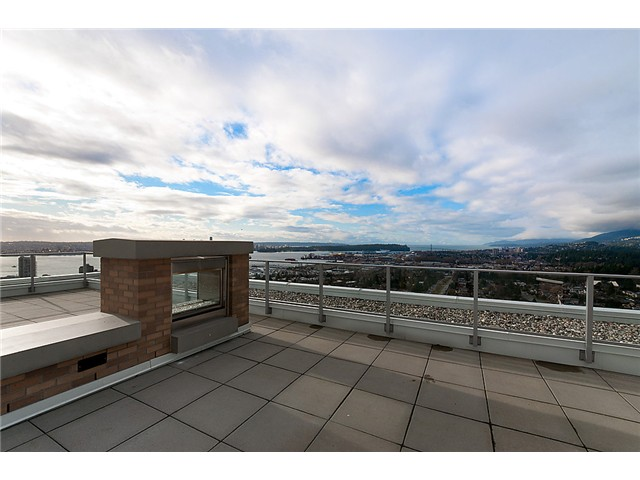 Photo 2: 1902 1320 CHESTERFIELD Avenue in North Vancouver: Central Lonsdale Condo for sale : MLS(r) # V1047114