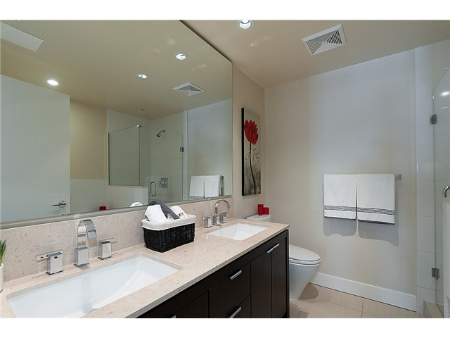 Photo 17: 1902 1320 CHESTERFIELD Avenue in North Vancouver: Central Lonsdale Condo for sale : MLS(r) # V1047114