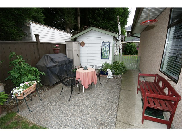 Photo 15: 9540 PATTERSON Road in Richmond: West Cambie House 1/2 Duplex for sale : MLS(r) # V1070788