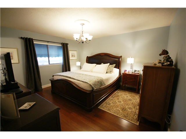 Photo 10: 9540 PATTERSON Road in Richmond: West Cambie House 1/2 Duplex for sale : MLS® # V1070788
