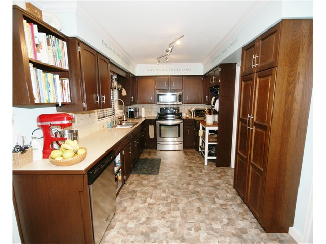 Photo 5: 9540 PATTERSON Road in Richmond: West Cambie House 1/2 Duplex for sale : MLS® # V1070788