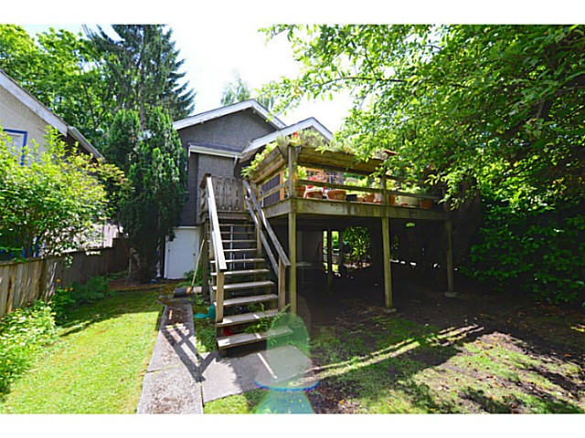 Photo 3: 3995 W 19TH Avenue in Vancouver: Dunbar House for sale (Vancouver West)  : MLS® # V1071057