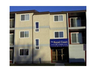 Main Photo: 101 7207 171 Street in Edmonton: Zone 20 Condo for sale : MLS(r) # E3395126