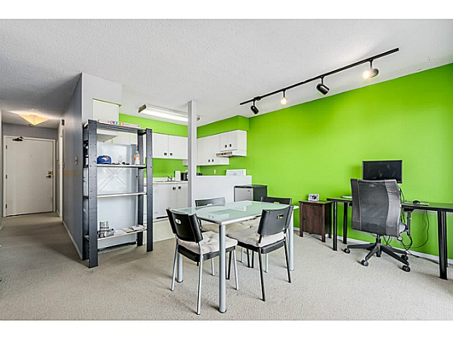 Photo 5: 204 1827 W 3RD Avenue in Vancouver: Kitsilano Condo for sale (Vancouver West)  : MLS® # V1136248