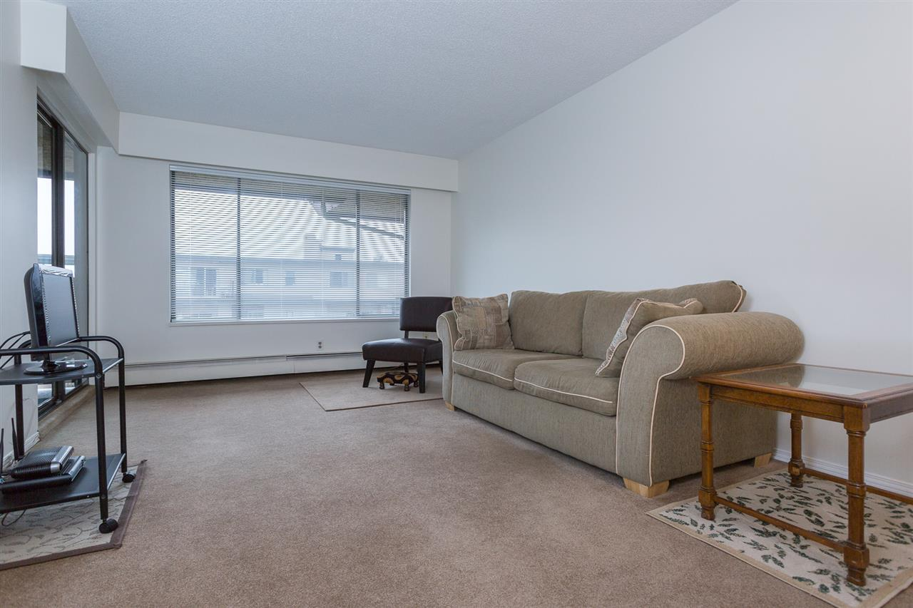 "Photo 3: 306 436 SEVENTH Street in New Westminster: Uptown NW Condo for sale in ""REGENCY COURT"" : MLS(r) # R2028452"