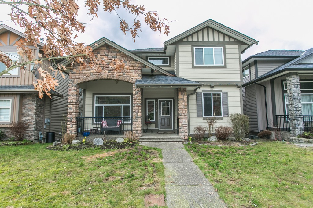"Main Photo: 10381 ROBERTSON Street in Maple Ridge: Albion House for sale in ""THORNHILL HEIGHTS"" : MLS® # R2039292"