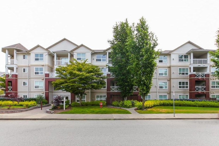 "Main Photo: 410 8068 120A Street in Surrey: Queen Mary Park Surrey Condo for sale in ""Melrose Place"" : MLS®# R2040790"