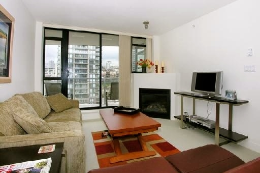 "Photo 2: 907 155 W 1ST Street in North Vancouver: Lower Lonsdale Condo for sale in ""Time"" : MLS® # R2086762"