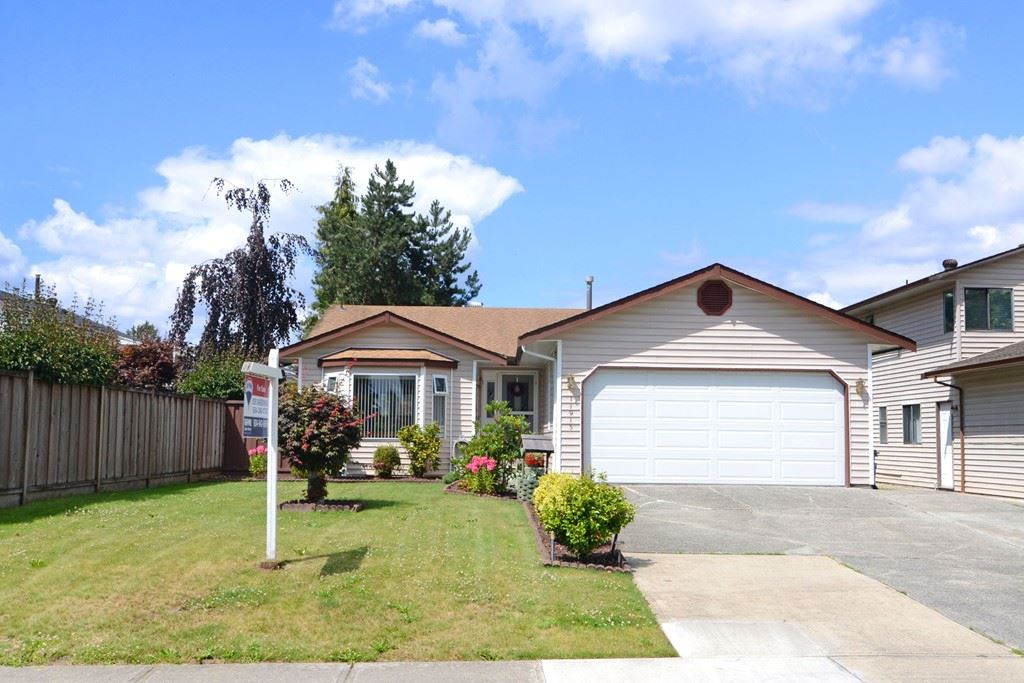 Main Photo: 11913 SENTINEL Street in Maple Ridge: Southwest Maple Ridge House for sale : MLS(r) # R2088203