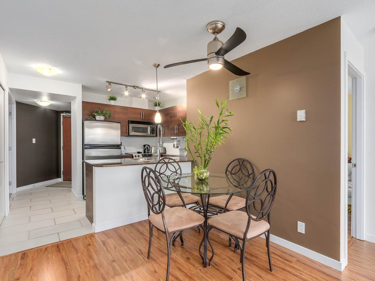 "Photo 13: 1204 833 AGNES Street in New Westminster: Downtown NW Condo for sale in ""THE NEWS"" : MLS(r) # R2112018"