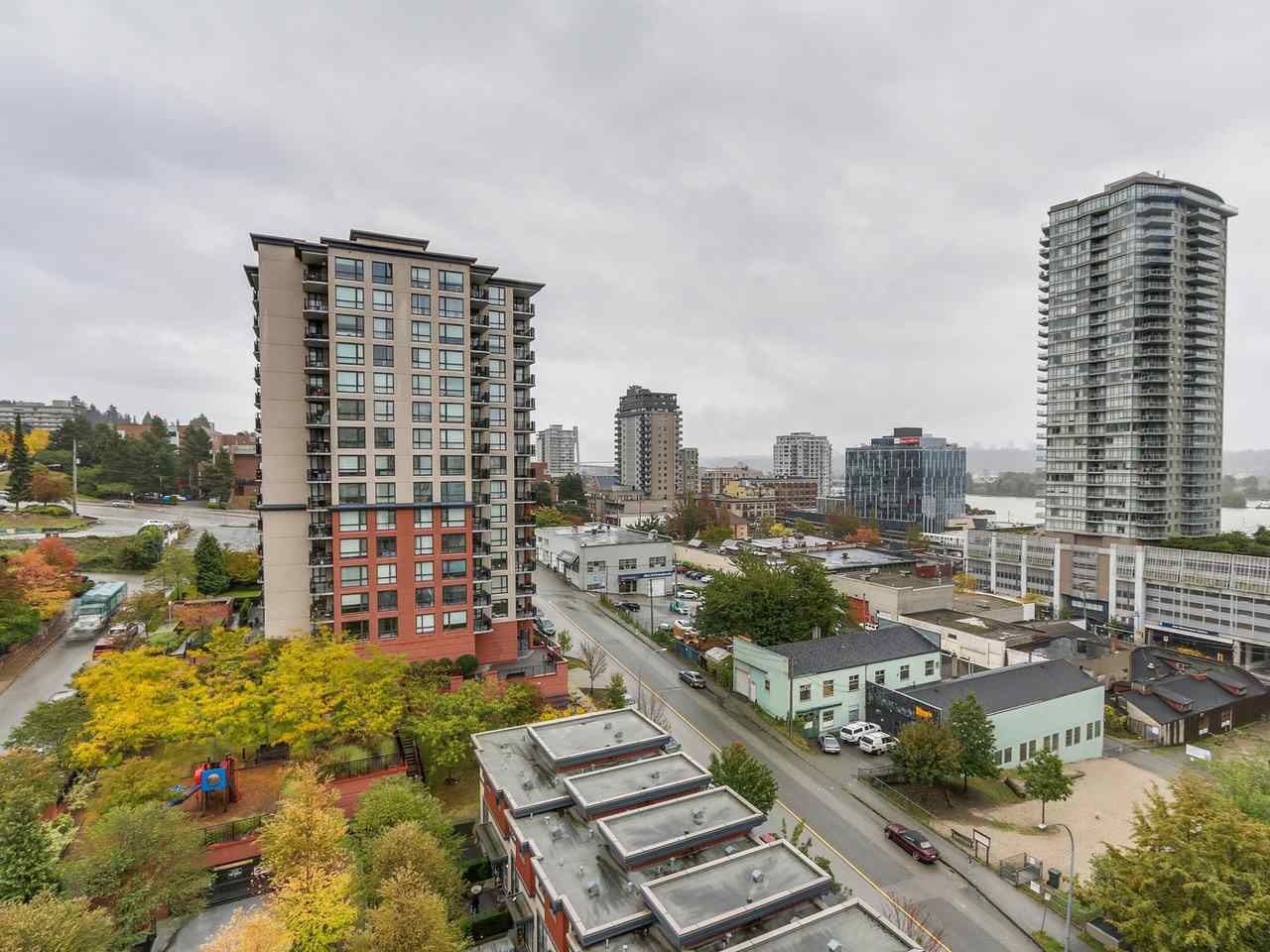 "Photo 4: 1204 833 AGNES Street in New Westminster: Downtown NW Condo for sale in ""THE NEWS"" : MLS(r) # R2112018"