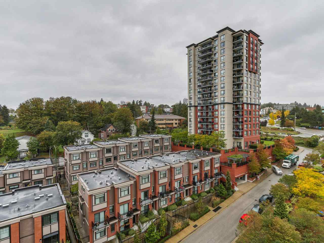 "Photo 5: 1204 833 AGNES Street in New Westminster: Downtown NW Condo for sale in ""THE NEWS"" : MLS(r) # R2112018"