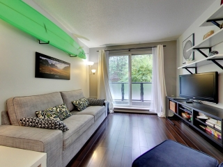 "Main Photo: 207 2234 W 1ST Avenue in Vancouver: Kitsilano Condo for sale in ""Ocean Villa"" (Vancouver West)  : MLS®# R2115296"