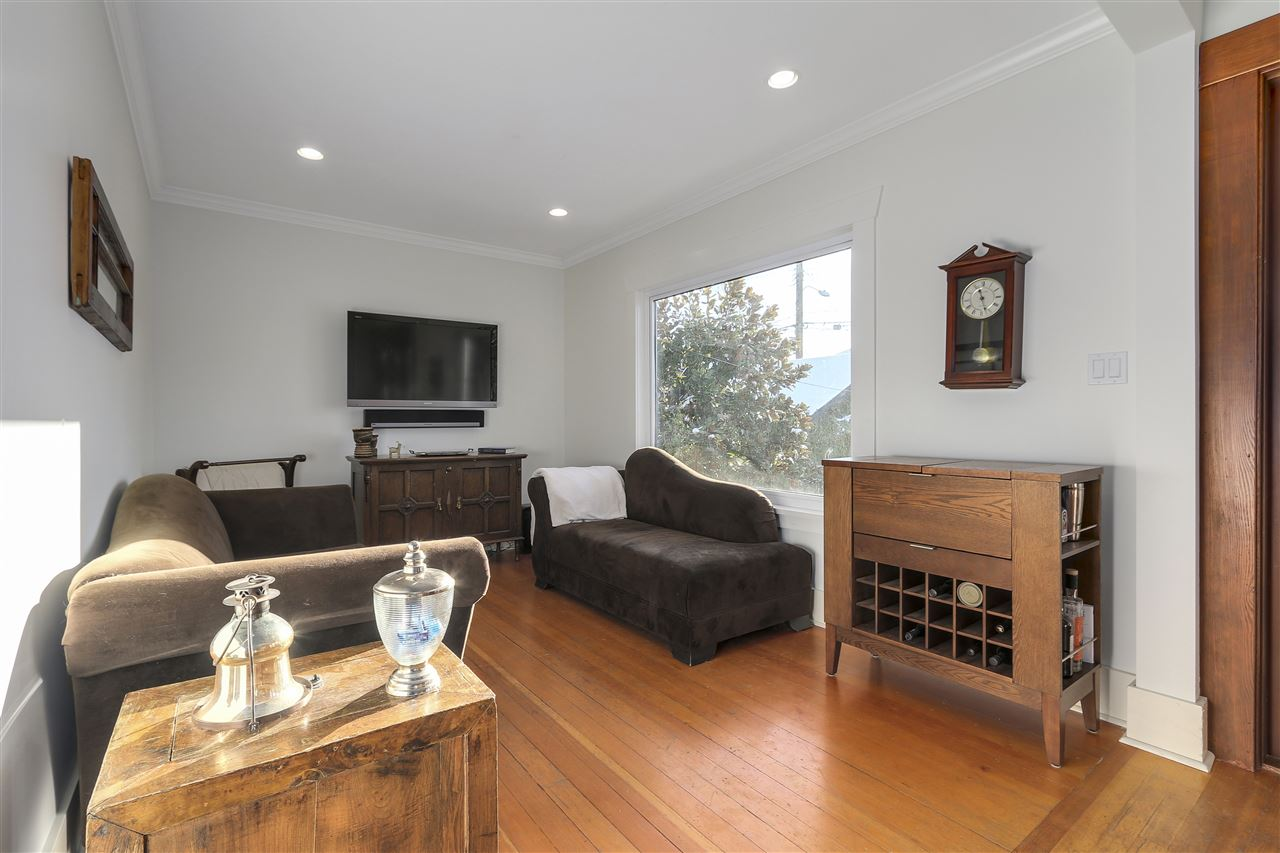Photo 10: 642 W 20TH Avenue in Vancouver: Cambie House for sale (Vancouver West)  : MLS® # R2126968