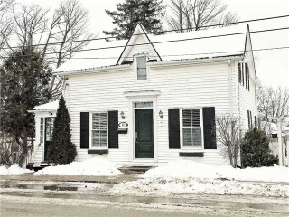 Main Photo: 12 Chapel Street in Halton Hills: Georgetown House (2-Storey) for sale : MLS®# W3706912