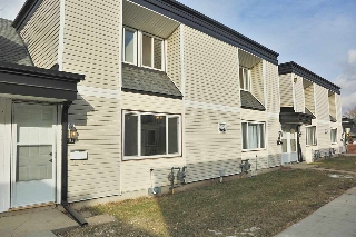 Main Photo: 124 3308 113 Avenue in Edmonton: Zone 23 Townhouse for sale : MLS(r) # E4052237