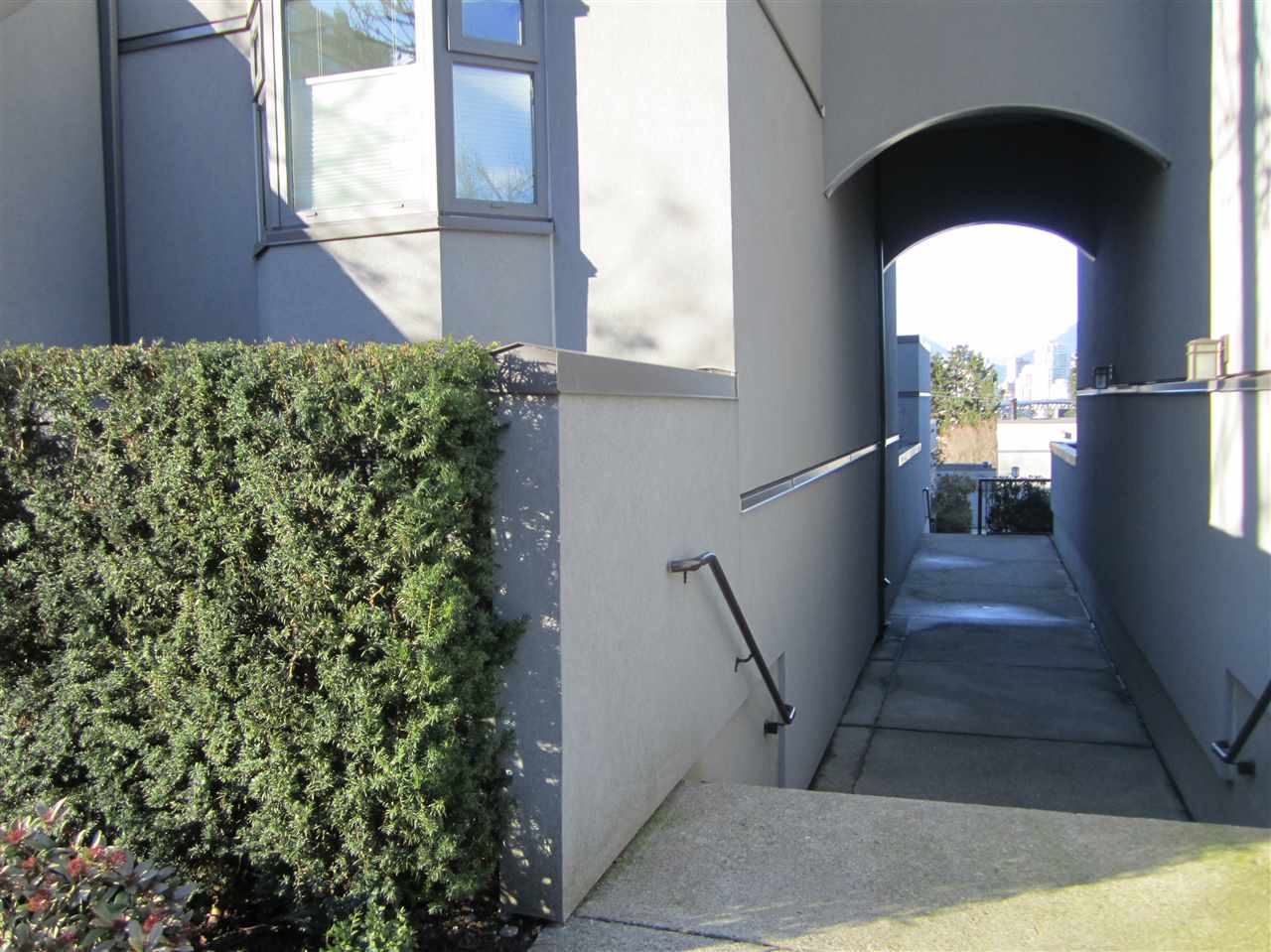 Main Photo: 1313 W 8TH Avenue in Vancouver: Fairview VW Townhouse for sale (Vancouver West)  : MLS(r) # R2142765