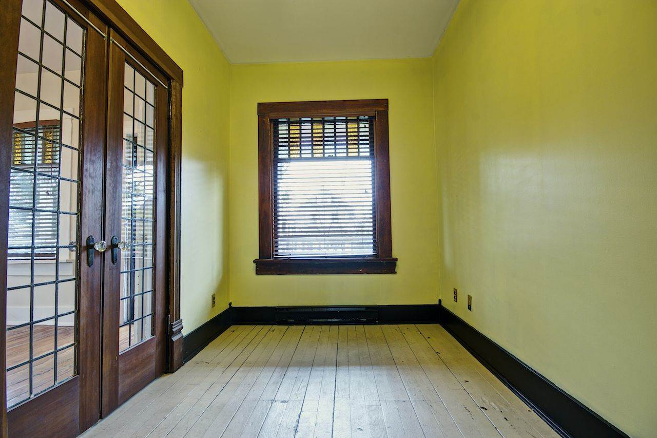 Photo 3: 1156 E PENDER Street in Vancouver: Mount Pleasant VE House for sale (Vancouver East)  : MLS(r) # R2143773