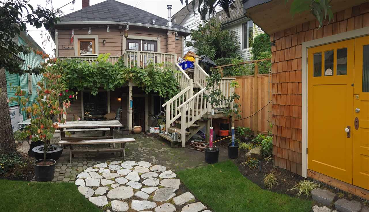 Photo 11: 1156 E PENDER Street in Vancouver: Mount Pleasant VE House for sale (Vancouver East)  : MLS® # R2143773