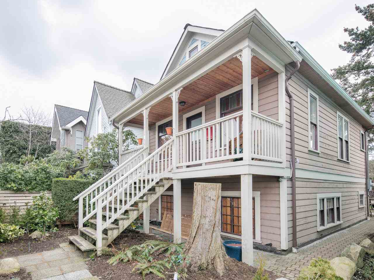 Photo 1: 1156 E PENDER Street in Vancouver: Mount Pleasant VE House for sale (Vancouver East)  : MLS(r) # R2143773