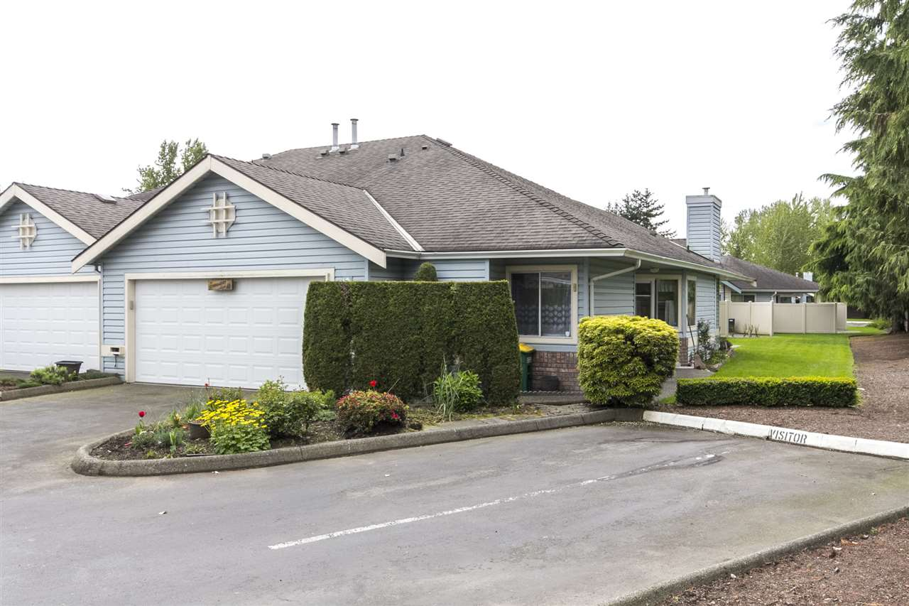 "Main Photo: 75 5550 LANGLEY Bypass in Langley: Salmon River Townhouse for sale in ""Riverwynde"" : MLS®# R2164746"