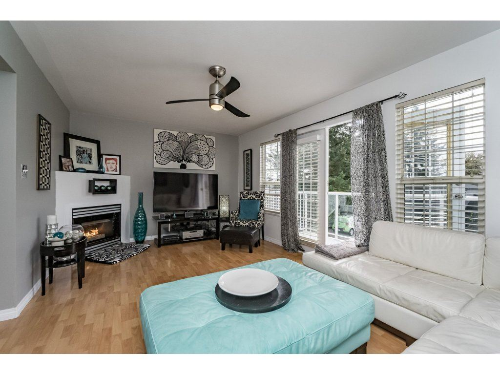 Photo 3: 33731 ERSKINE Avenue in Mission: Mission BC House 1/2 Duplex for sale : MLS® # R2166337