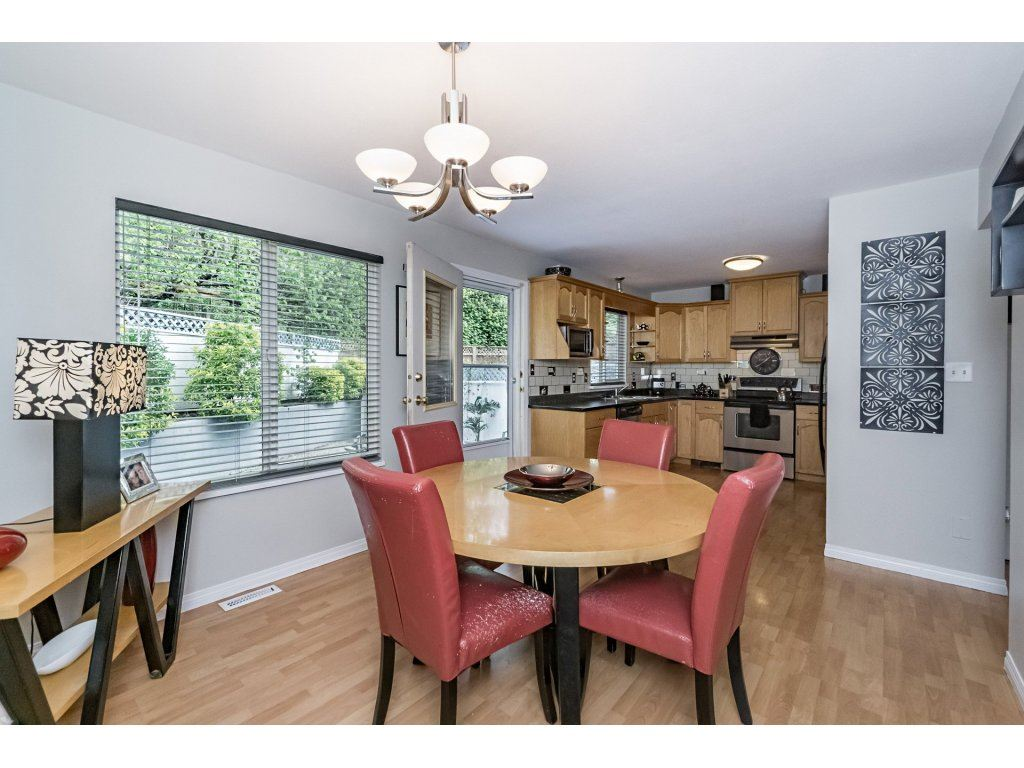 Photo 6: 33731 ERSKINE Avenue in Mission: Mission BC House 1/2 Duplex for sale : MLS® # R2166337